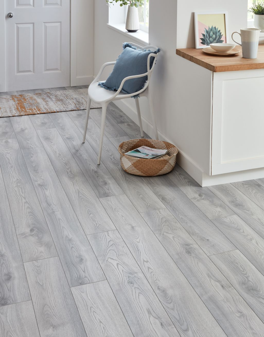 Macro Oak White Laminate Flooring, White Oak Laminate Flooring 12mm