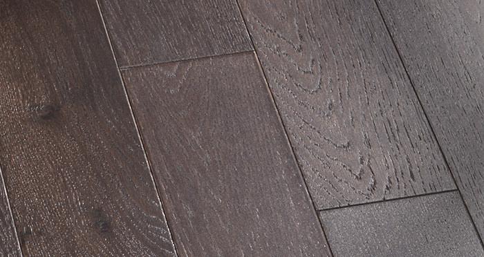 Kensington Espresso Oak Lacquered Engineered Wood Flooring - Descriptive 3