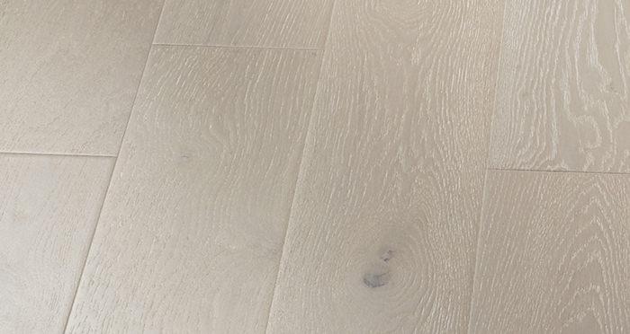 Mayfair Pearl River Oak Engineered Wood Flooring - Descriptive 3