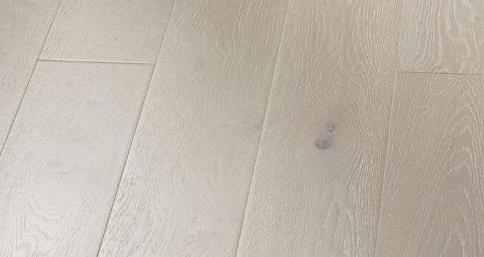 Mayfair Pearl River Oak Engineered Wood Flooring - Descriptive 4