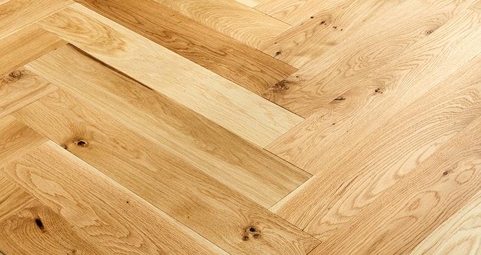 Marylebone Champagne Oak Brushed & Lacquered Engineered Wood Flooring - Descriptive 3