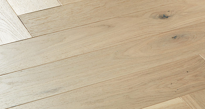 Marylebone Chantilly Lace Oak Lacquered Engineered Wood Flooring - Descriptive 1
