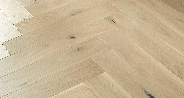 Marylebone Chantilly Lace Oak Lacquered Engineered Wood Flooring - Descriptive 3
