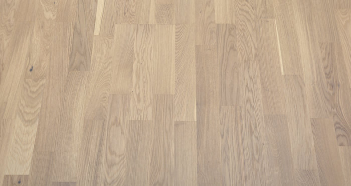Boston Oak Polar White Lacquered Engineered Wood Flooring - Descriptive 4