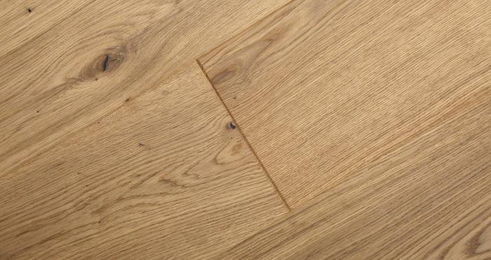 Mayfair Grande Oak Brushed & Oiled Engineered Wood Flooring - Descriptive 4