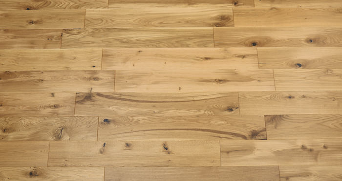 Knightsbridge Rustic Oak Lacquered Engineered Wood Flooring - Descriptive 3
