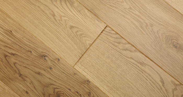 Knightsbridge Rustic Oak Lacquered Engineered Wood Flooring - Descriptive 4