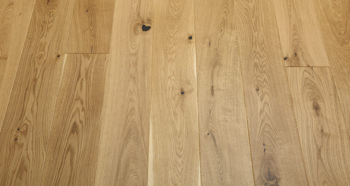 Knightsbridge Rustic Oak Lacquered Engineered Wood Flooring - Descriptive 5