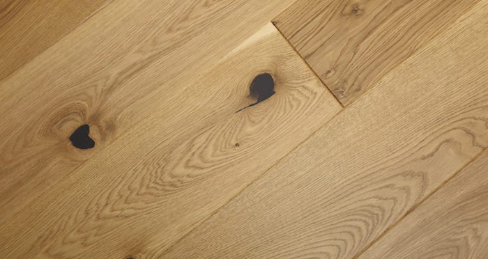 Knightsbridge Rustic Oak Lacquered Engineered Wood Flooring - Descriptive 6