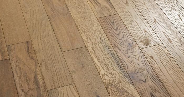 Studio Boathouse Oak Brushed & Oiled Engineered Wood Flooring - Descriptive 2