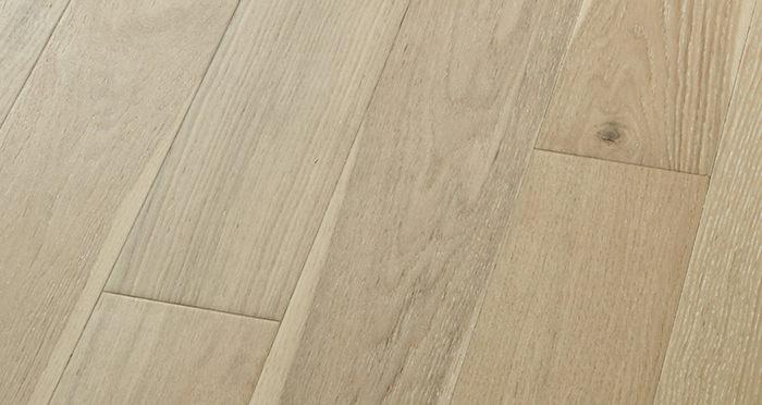 Salcombe Whitewashed Coastal Oak Engineered Wood Flooring - Descriptive 3
