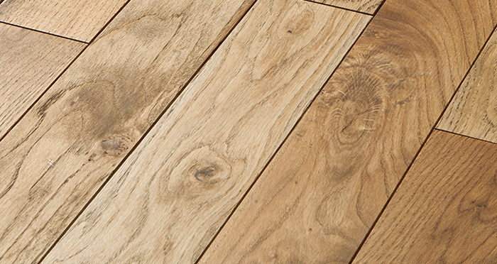 Castle Brown Oak 90mm Oiled Solid Wood Flooring - Descriptive 1