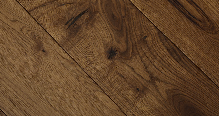 Luxury Cinnamon Oak Solid Wood Flooring - Descriptive 2