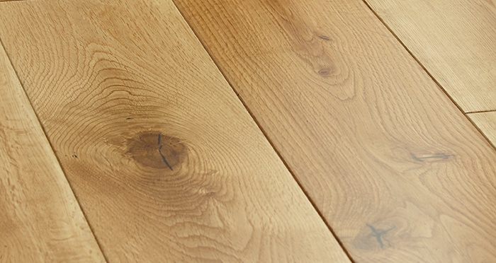 Manor Natural Oak Lacquered Engineered Wood Flooring - Descriptive 1