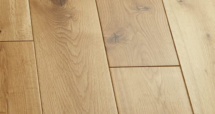 Manor Natural Oak Lacquered Engineered Wood Flooring - Descriptive 4