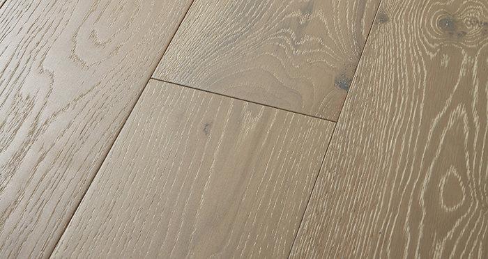 Manhattan Pearl Grey Oak Brushed & Lacquered Engineered Wood Flooring - Descriptive 1