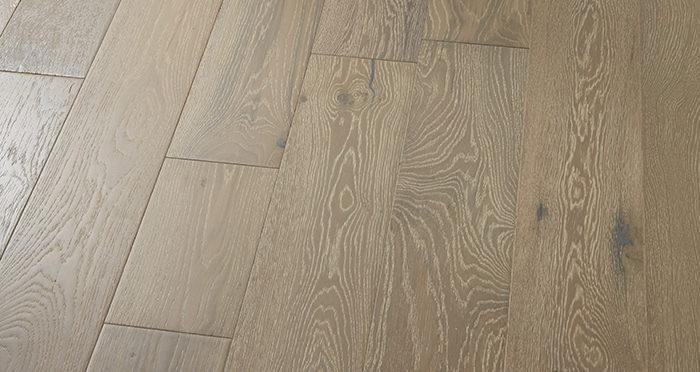 Manhattan Pearl Grey Oak Brushed & Lacquered Engineered Wood Flooring - Descriptive 2