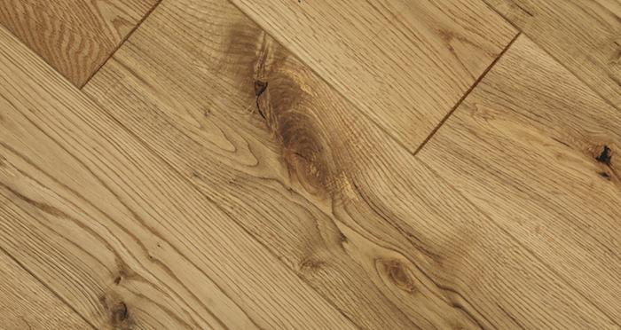 Whitewashed Cinnamon Oak Solid Wood Flooring - Descriptive 3