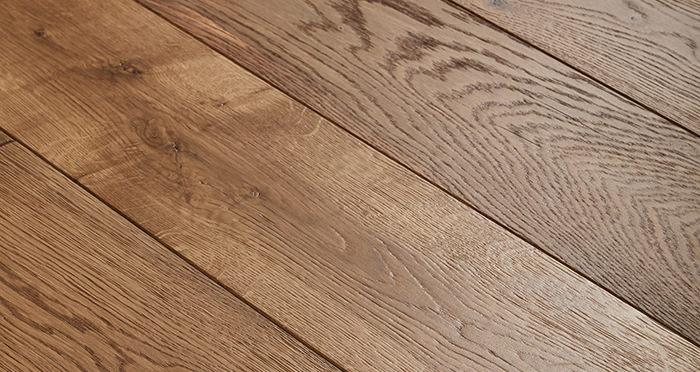 Manor Golden Smoked Oak Brushed & Lacquered Engineered Wood Flooring - Descriptive 1