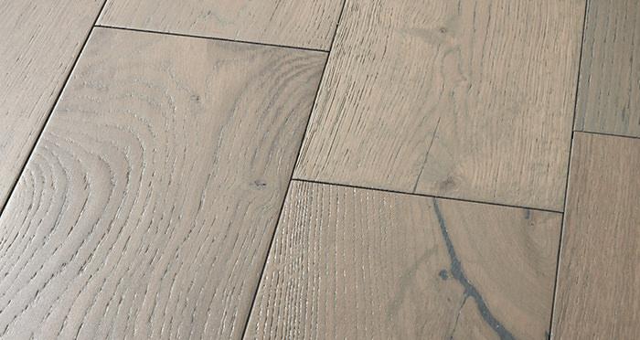 Manhattan Apollo Grey Oak Brushed & Lacquered Engineered Wood Flooring - Descriptive 1