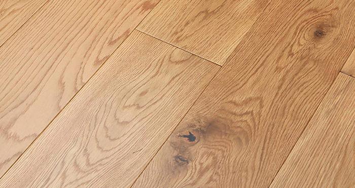 Manhattan Natural Oak Lacquered Engineered Wood Flooring - Descriptive 1