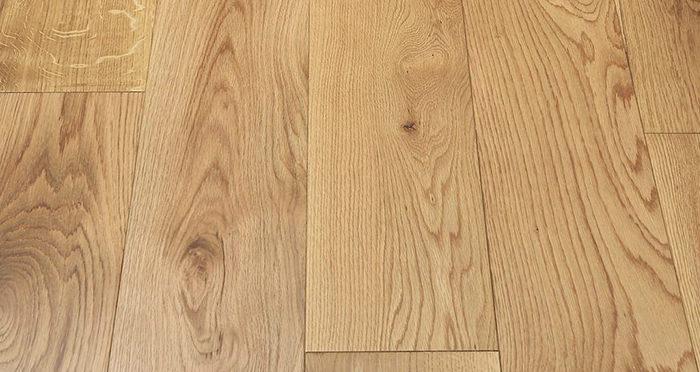 Manhattan Natural Oak Lacquered Engineered Wood Flooring - Descriptive 2