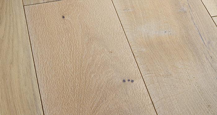Prestige Frosted Oak Solid Wood Flooring - Descriptive 1