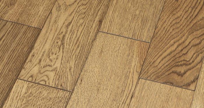 Aged & Rustic Golden Oak Brushed & Oiled Solid Wood Flooring - Descriptive 5