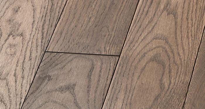 Elegant Chocolate Oak Brushed & Oiled Solid Wood Flooring - Descriptive 4