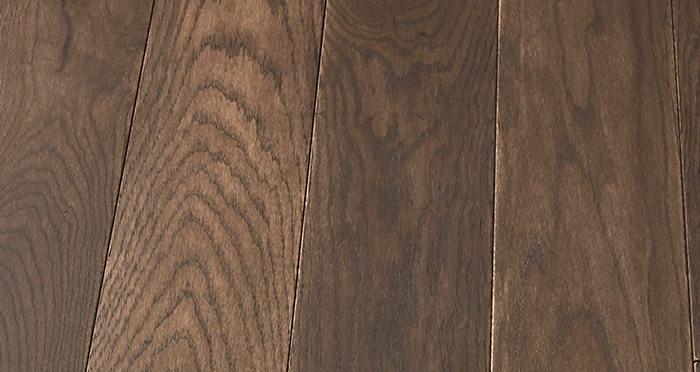 Elegant Chocolate Oak Brushed & Oiled Solid Wood Flooring - Descriptive 5