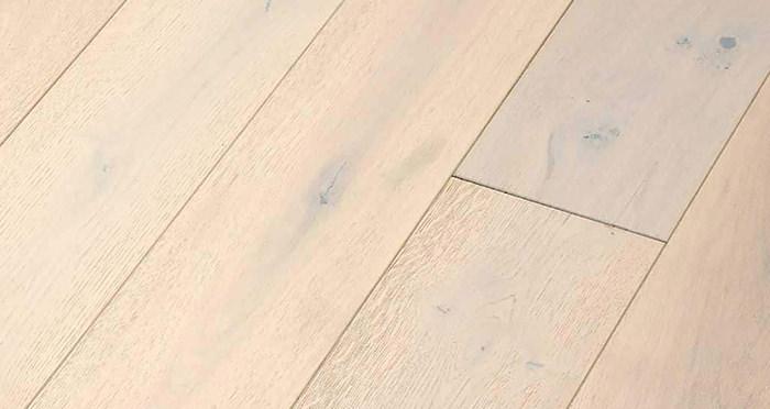 Frozen Oak Brushed & Lacquered Engineered Wood Flooring - Descriptive 4