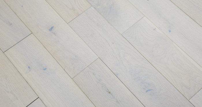 Frozen Oak Brushed & Lacquered Engineered Wood Flooring 150mm - Descriptive 2