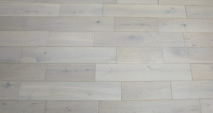 Frozen Oak Brushed & Lacquered Engineered Wood Flooring 150mm - Descriptive 3