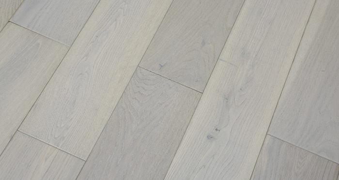 Frozen Oak Brushed & Lacquered Engineered Wood Flooring 150mm - Descriptive 4