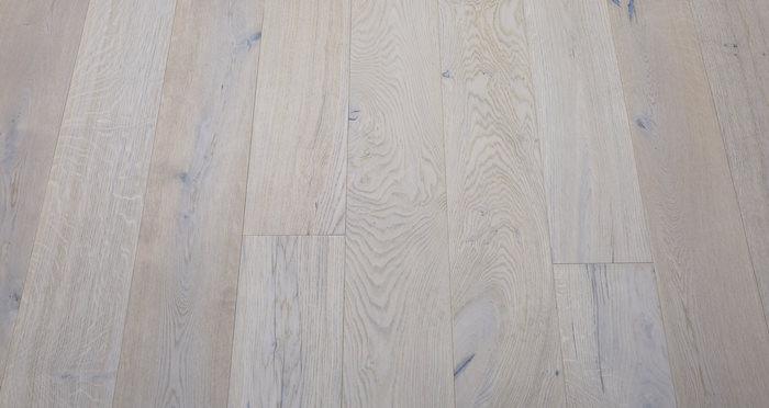 Porcelain Oak Lacquered Engineered Wood Flooring - Descriptive 3