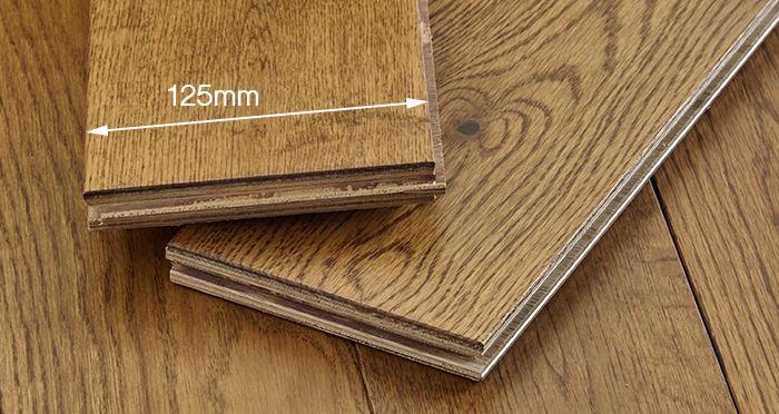 Penthouse Golden Oak Lacquered Engineered Wood Flooring - Descriptive 3