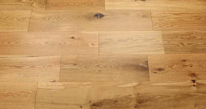 Barn Natural Oak Lacquered Engineered Wood Flooring - Descriptive 3