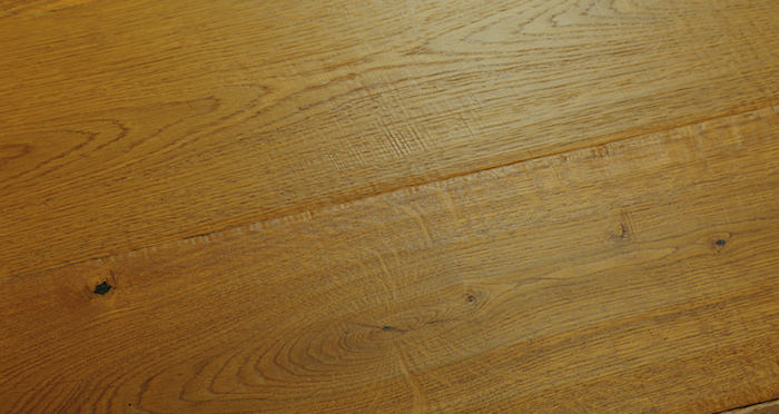 Chantilly Golden Oak Brushed & Oiled Engineered Wood Flooring - Descriptive 2