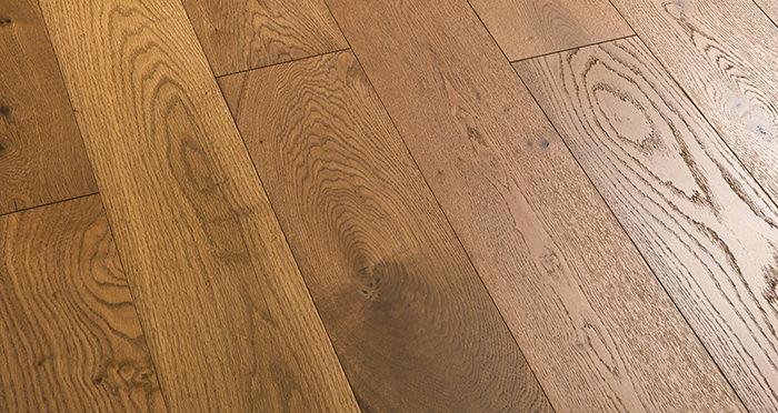 Manhattan Golden Smoked Oak Engineered Wood Flooring - Descriptive 2