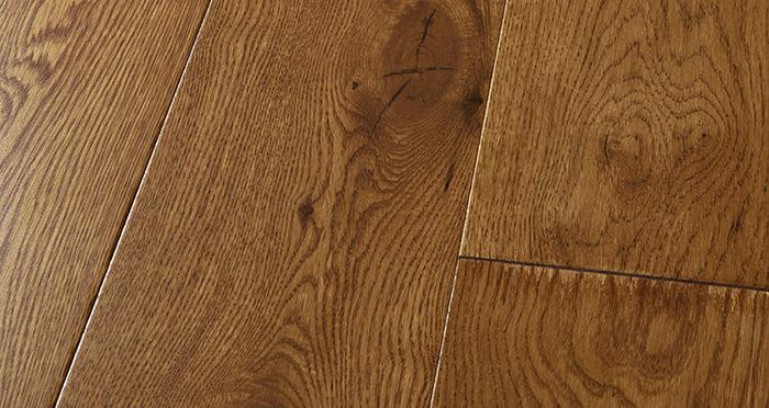 Manhattan Honey Oak Lacquered Engineered Wood Flooring - Descriptive 1