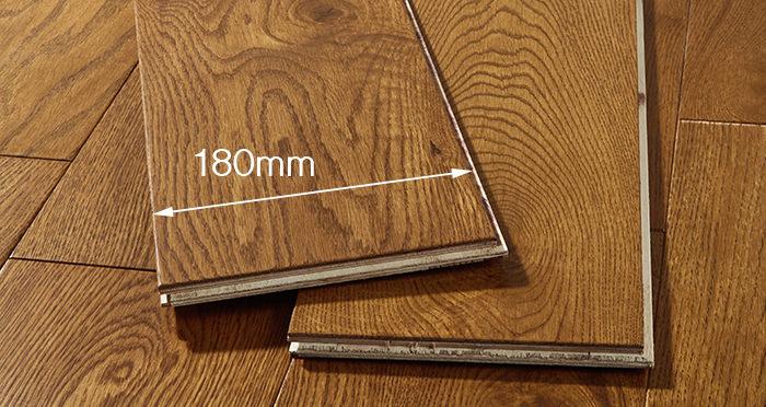 Manhattan Honey Oak Lacquered Engineered Wood Flooring - Descriptive 3
