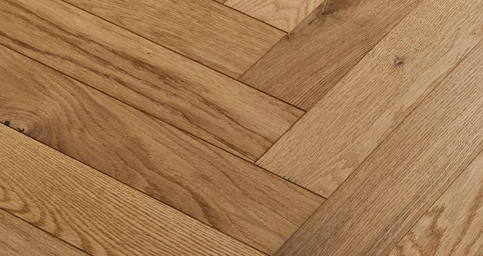 Oxford Herringbone Natural Oak Engineered Wood Flooring - Descriptive 4