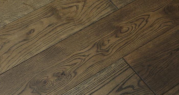 Aged Cottage Oak Brushed & Lacquered Engineered Wood Flooring - Descriptive 3
