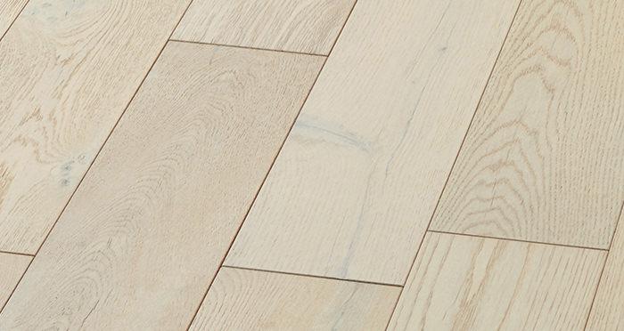 Manhattan Frozen Oak Brushed & Lacquered Engineered Wood Flooring - Descriptive 5