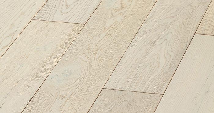 Manhattan Frozen Oak Brushed & Lacquered Engineered Wood Flooring - Descriptive 6