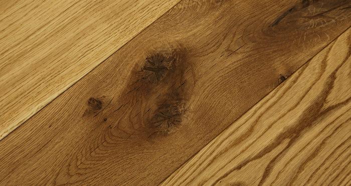 Luxury Natural Oak Solid Wood Flooring - Descriptive 1