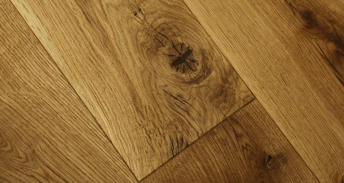 Luxury Natural Oak Solid Wood Flooring - Descriptive 2