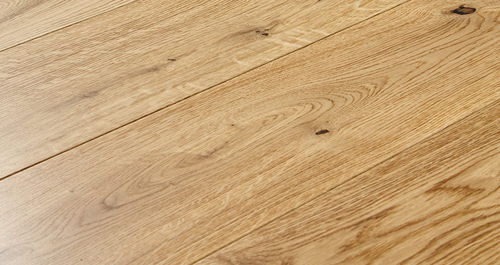 Old Country Natural Oak Lacquered Engineered Wood Flooring - Descriptive 1