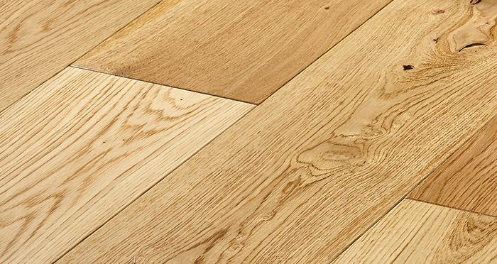 Old Country Natural Oak Lacquered Engineered Wood Flooring - Descriptive 4