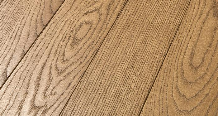 Elegant Cinnamon Oak Brushed & Oiled Solid Wood Flooring - Descriptive 1